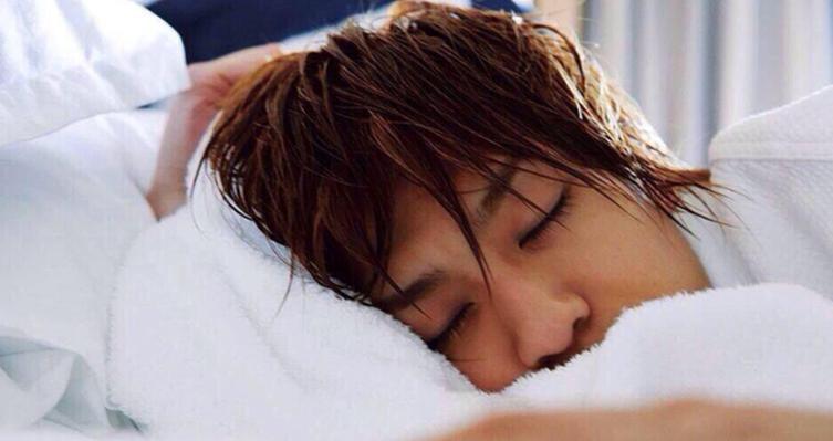 三浦翔平 寝顔